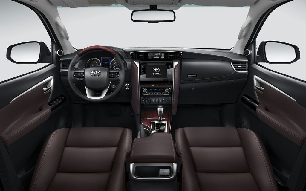 Interior do SUV SW4, da marca japonesa